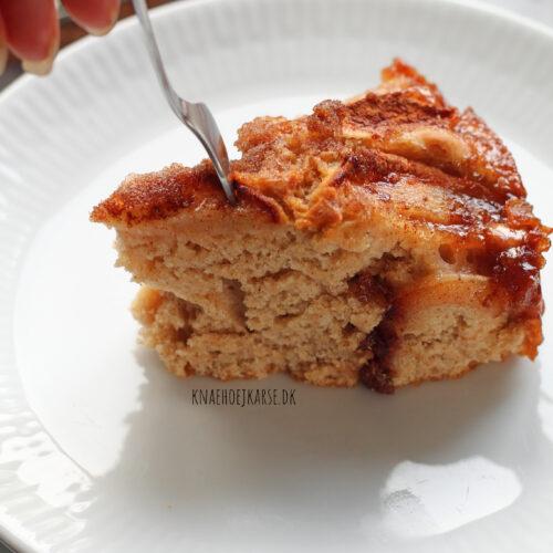 vegansk æblekage med kanelcrunch