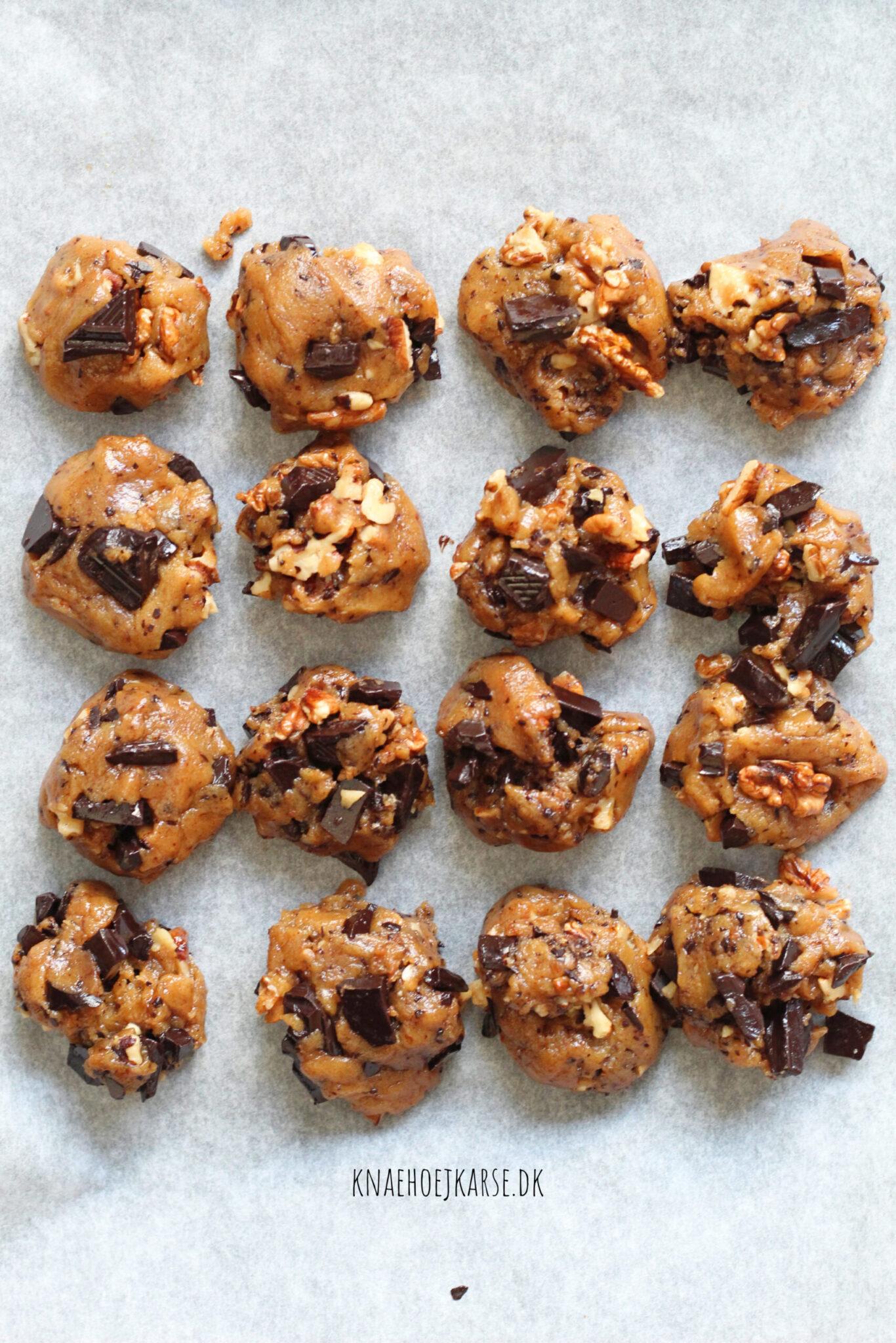 veganske cookies med valnødder og chokolade