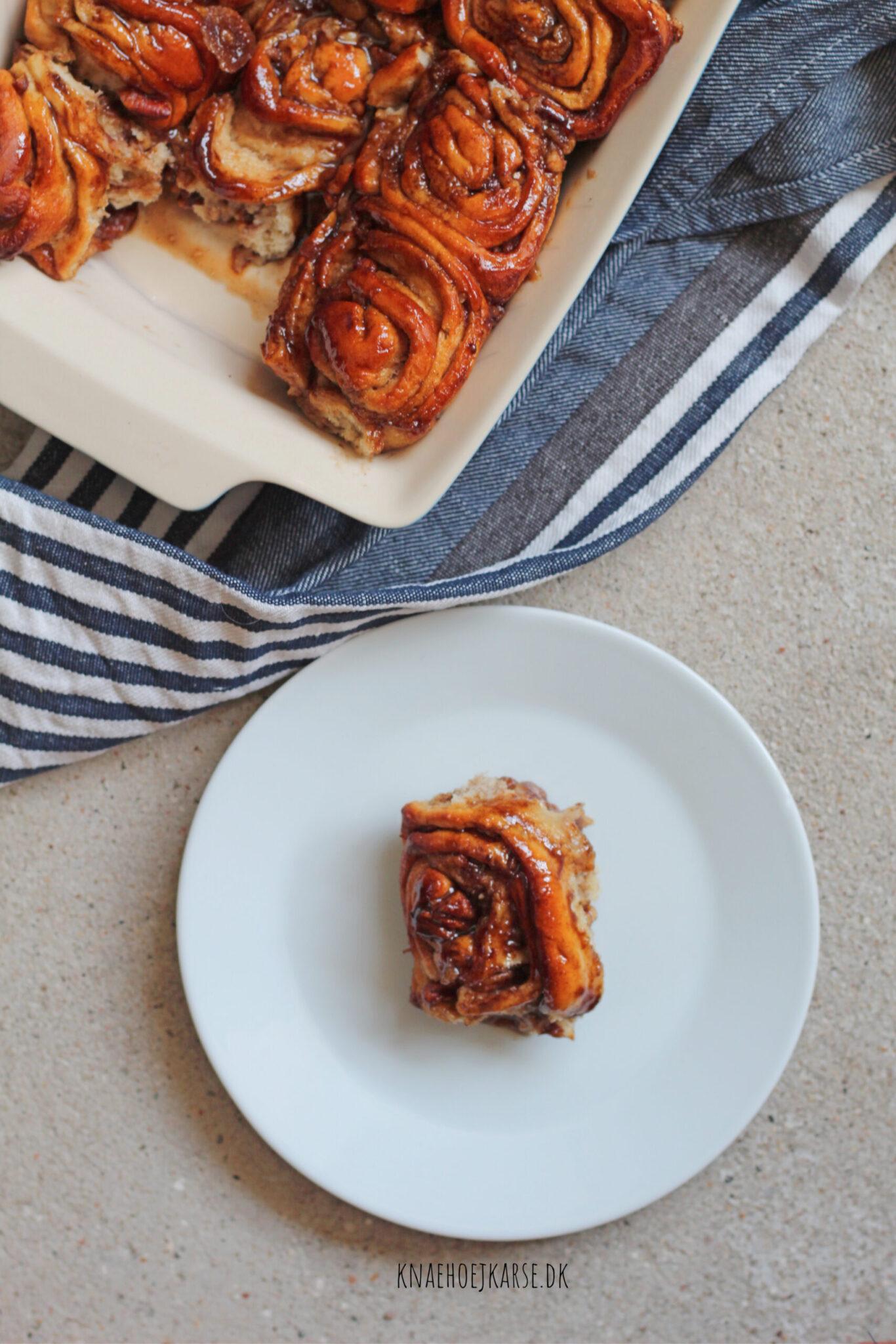 veganske sticky buns med pekannødder